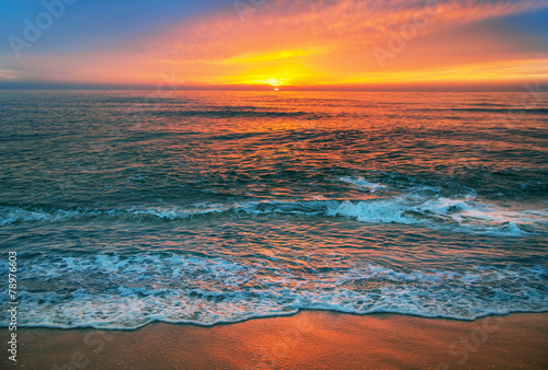Beautiful cloudscape over the sea, sunrise shot. - 78976603