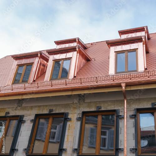 Neues Dach mit Gauben aus Kupferblech - 78978447