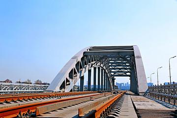 Railway bridge with steel spans