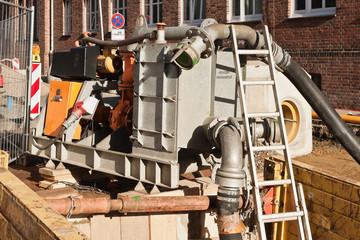 Kanalbauarbeiten - Abwasserumleitung - Abwasser-Pumpaggregat