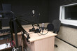 radio studio - 78984887