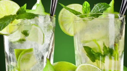 Pan zoom of mojito drinks