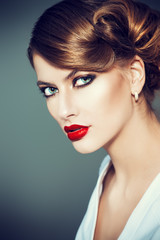 elegant make-up