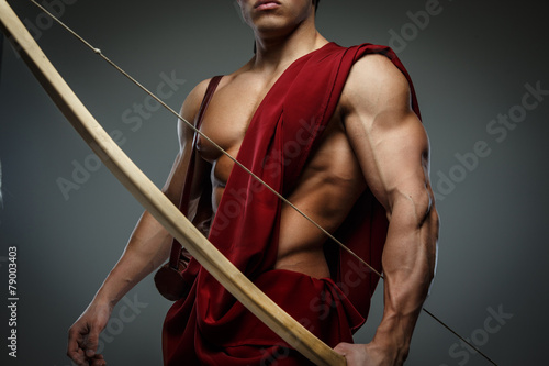 Wounded gladiator with bow - 79003403