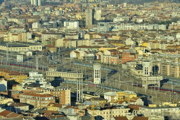 Milano dall'altro - Stazione Centrale - binari e treni