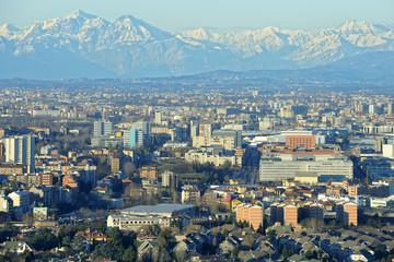 Milano dall'alto - vista verso nord - area Bicocca e la Grigna