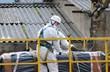 Trabajador con residuos de amianto - 79022612