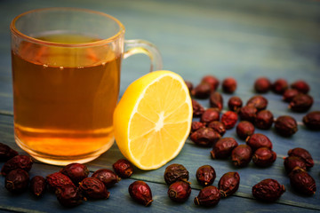 Rosehip tea with lemon