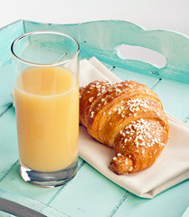 Croissant and pear juice