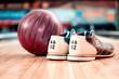 Leinwanddruck Bild - Leisure time in bowling club