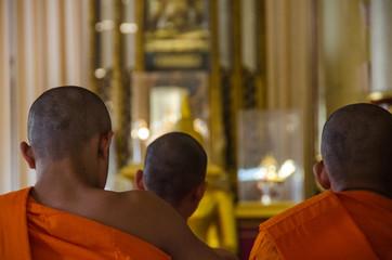 Monaci in preghiera - Chang mai - Thailand
