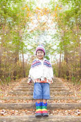 秋の風景と子供