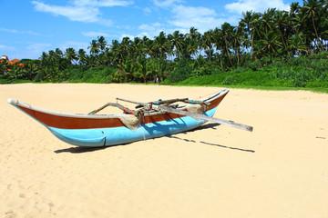 Лодка местных рыбаков, Шри-Ланка