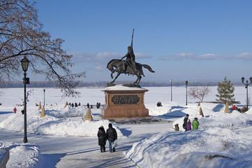 Памятник князю Григорию Засекину на Набережной в Самаре