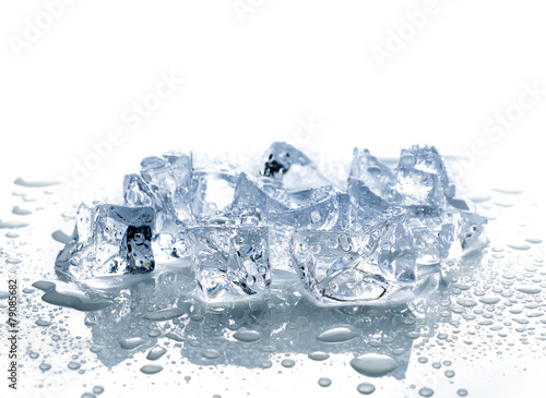 ice cubes with water - 79085682
