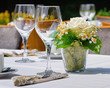 gedeckter Tisch auf im Sommer - 79090005
