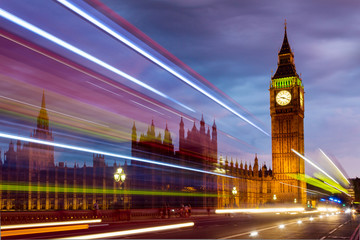 Londoner Parlament bei Nacht