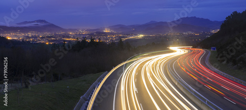 Foto op Aluminium Mediterraans Europa car lights at night on the road going to the city