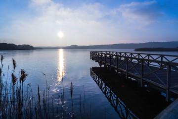 Brückensteg am See