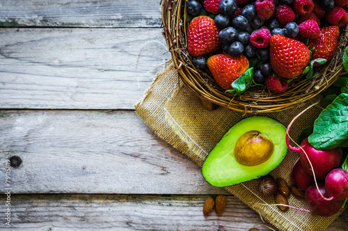 mata magnetyczna Fruits and vegetables on rustic background
