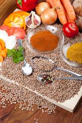 Linsen, Gemüse, Gewürze für Eintopf