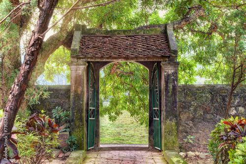 Leinwanddruck Bild asian tropical garden, Ninh Binh, Vietnam