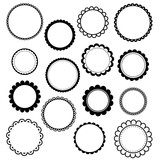 Set of round scalloped frames