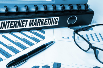 folder with label internet marketing
