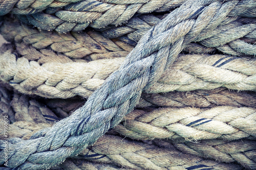 Aluminium Schip Nautical rope, closeup background texture, vintage toned