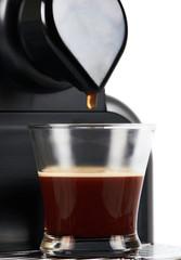Coffee maker pour last drop