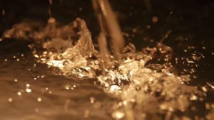 Sprudelndes Wasser