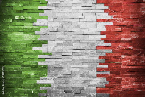 Fotobehang Wand Italian Flag in the wall building