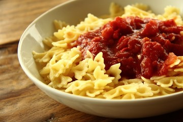 nudeln mit tomatensosse I
