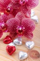 Orchidea con cuoricini