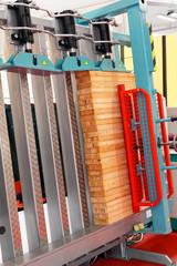 Wood cramp machine