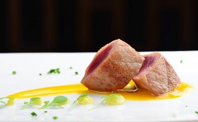 Japanese fine dining, Seared tuna steak called Sashimi