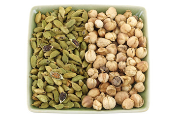 Dried Green Cardamon and Siamese Cardamom (Camphor Seed)