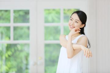 ボディケア・若い女性