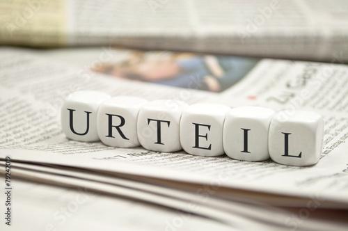 Leinwanddruck Bild Würfel mit URTEIL