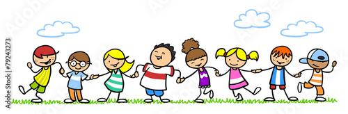 Leinwanddruck Bild Kinder halten Hände auf einer Wiese
