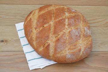 pane su tavolo di legno