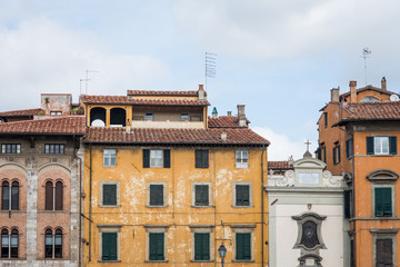 Facciata palazzo signorile, casa torre, centro storico, Pisa