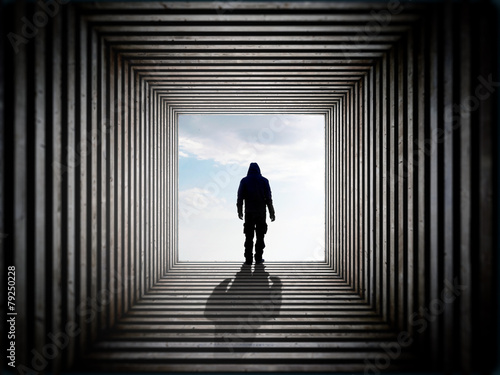 Man in the tunnel - 79250228