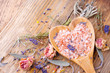 Badesalz - getrocknete Blüten und Kräuter - 79260641