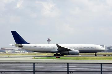 Passagier Flugzeug Landebahn