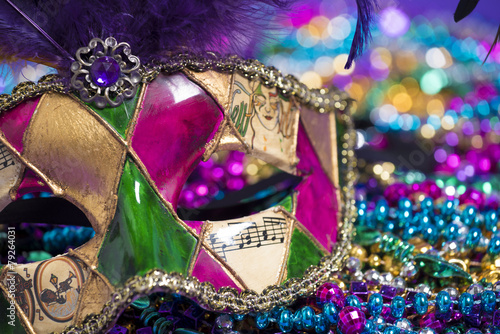 Mardi Gras Mask and beads - 79264031