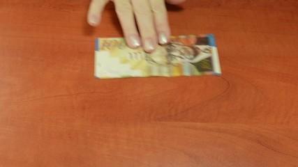 Scamming exchange shekels to dollar