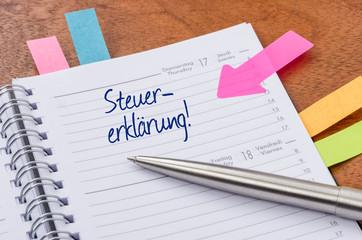 Terminkalender mit Hinweissticker - Steuererklärung