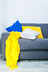 Interior design with blue, white and yellow details