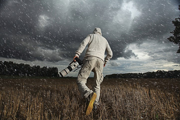 Photographer field autumn-winter portrait